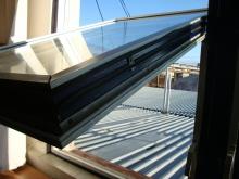 Montáž těsnění do oken, dveří a vrat